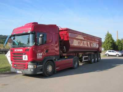 Containerfahrzeuge und Kippsattelmulden für jeden Bedarf